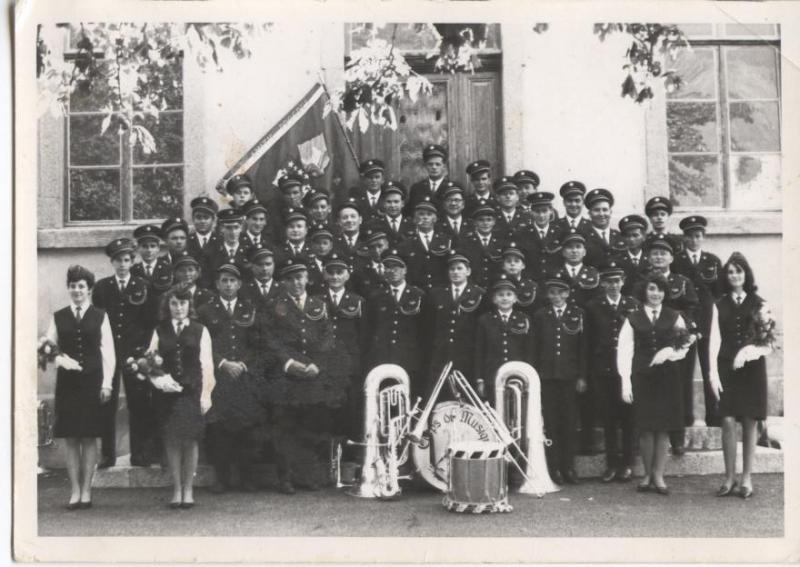 1 er Costume 1964